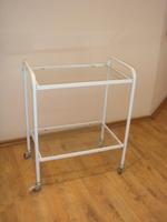 Стол инструментальный  СМ 2.52.04 С (2  полки  стекло)